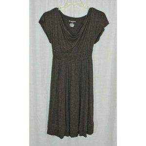 Liz Lange Maternity Taupe Short Sleeve Dress Shirt